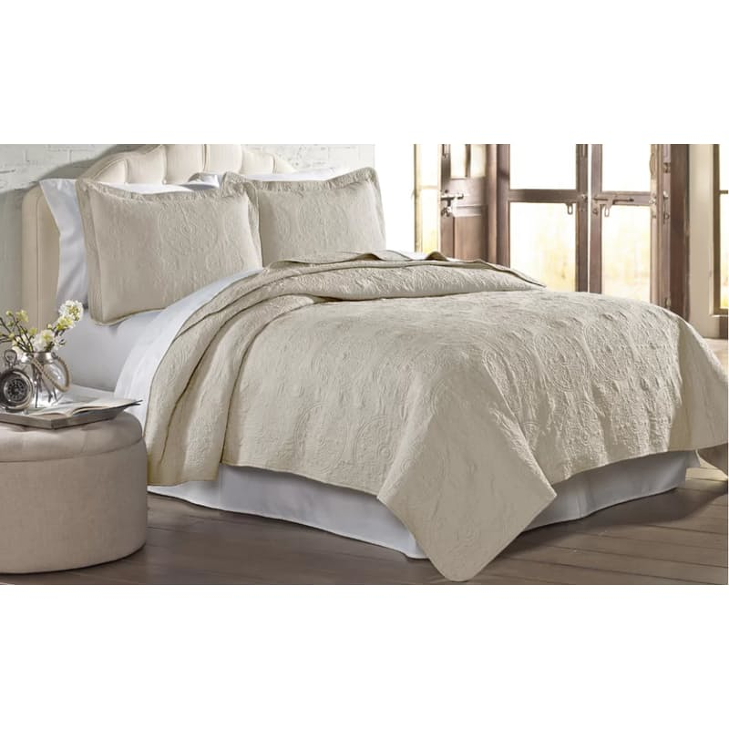 Emblem Luxurious Quilted Bedspread