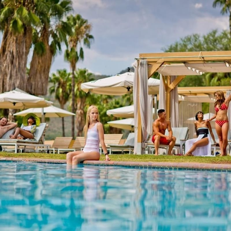 2-Night Weekend Stay in the 3* Cabanas Hotel Including Breakfast per Person