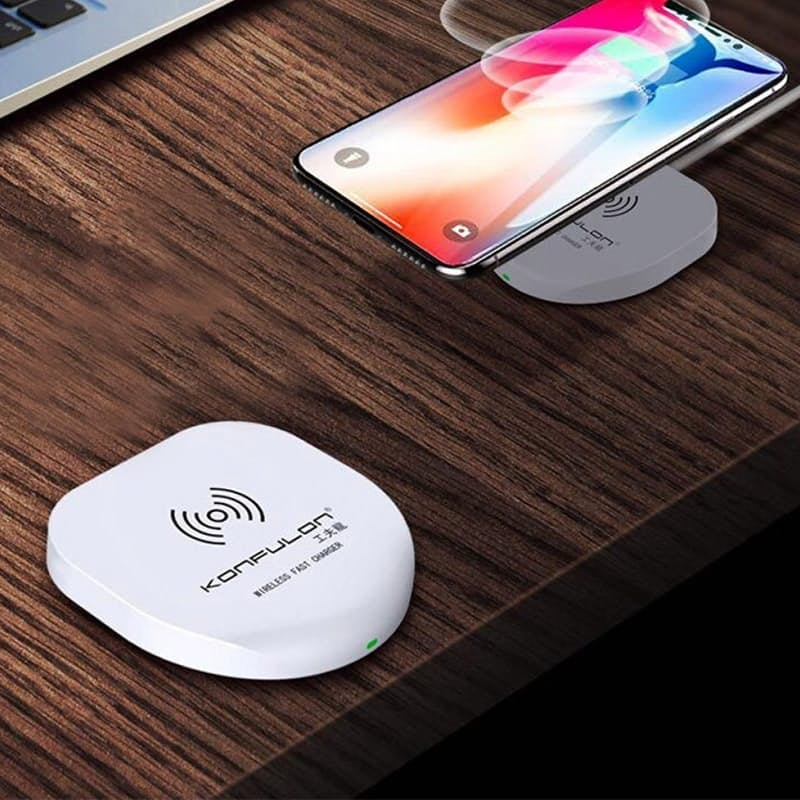 Fast Charging Wireless Charger (for  Qi-compatible Phones)