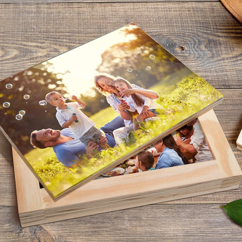 Personalised PhotoBox with Custom Acrylic Photographic Lid with 30 Photos (Voucher Redemption)
