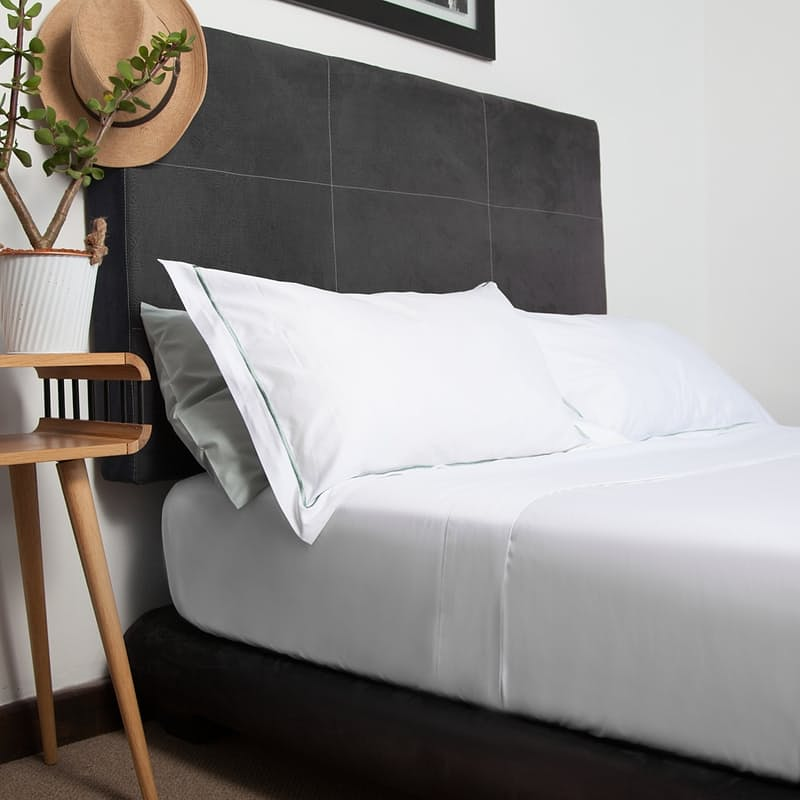 200 Thread Count Hospitality Percale Fitted or Flat Sheets (Standard or Extra Length)
