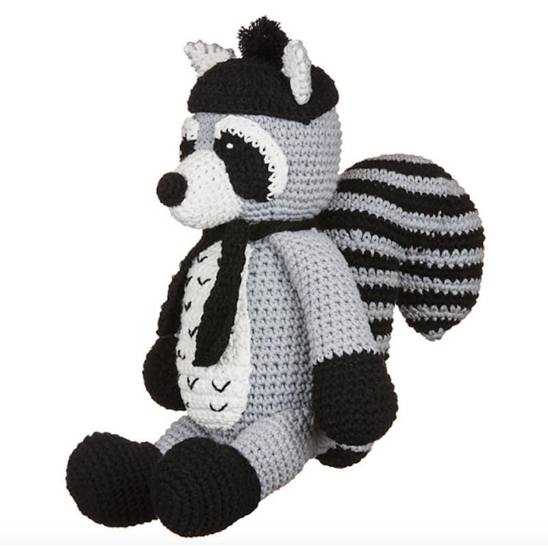 Crochet Bandit The Amigurumi Raccoon | 800x800