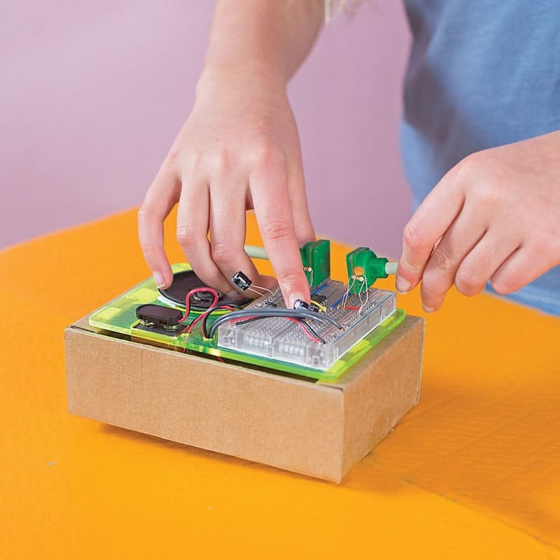 Build Your Own Synthesizer Kit